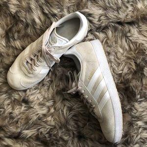 Adidas Women's Gazelle Sneakers Sz 9